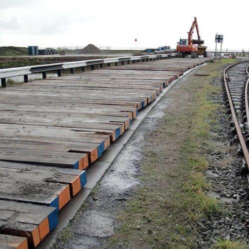 hardwood-timber-bog-mats-train-track